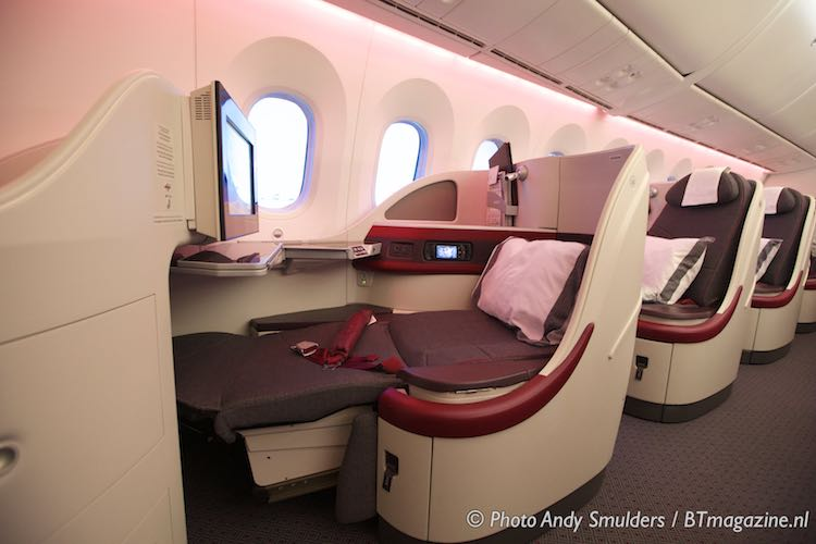 Qatar airways business class b787 eating across europe for Migliori cabine business class 2017